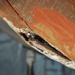 Sichtung von Schadstellen und alten Reparaturarbeiten