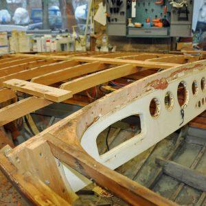Vorschiff mit demontiertem Deck