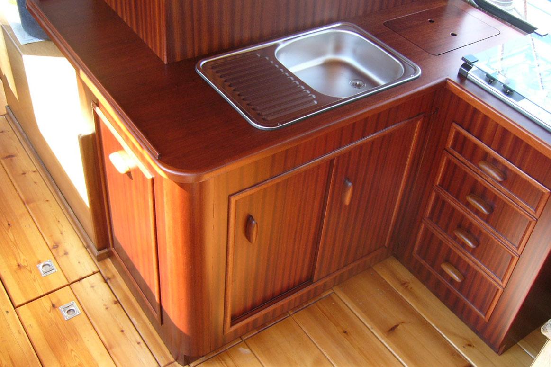 bootsbau potsdam innenausbau nach kundenwunsch. Black Bedroom Furniture Sets. Home Design Ideas